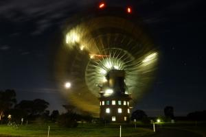 The Parkes telescope during a slew