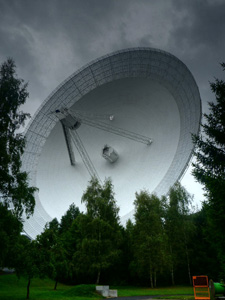 The Effelsberge telescope on a rainy day